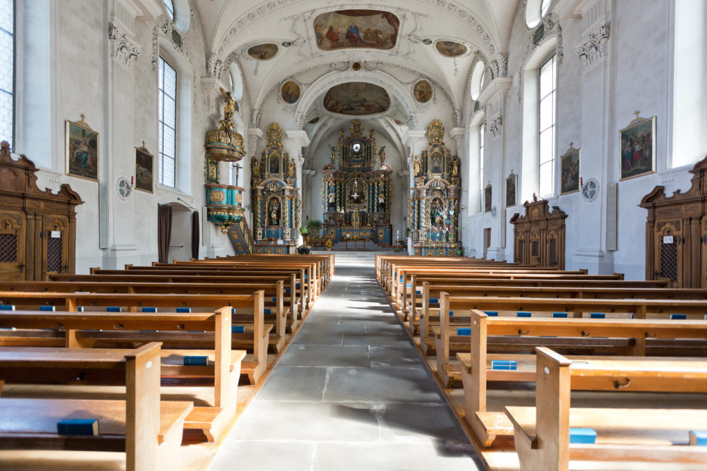 Die Pfarrkirche von innen.