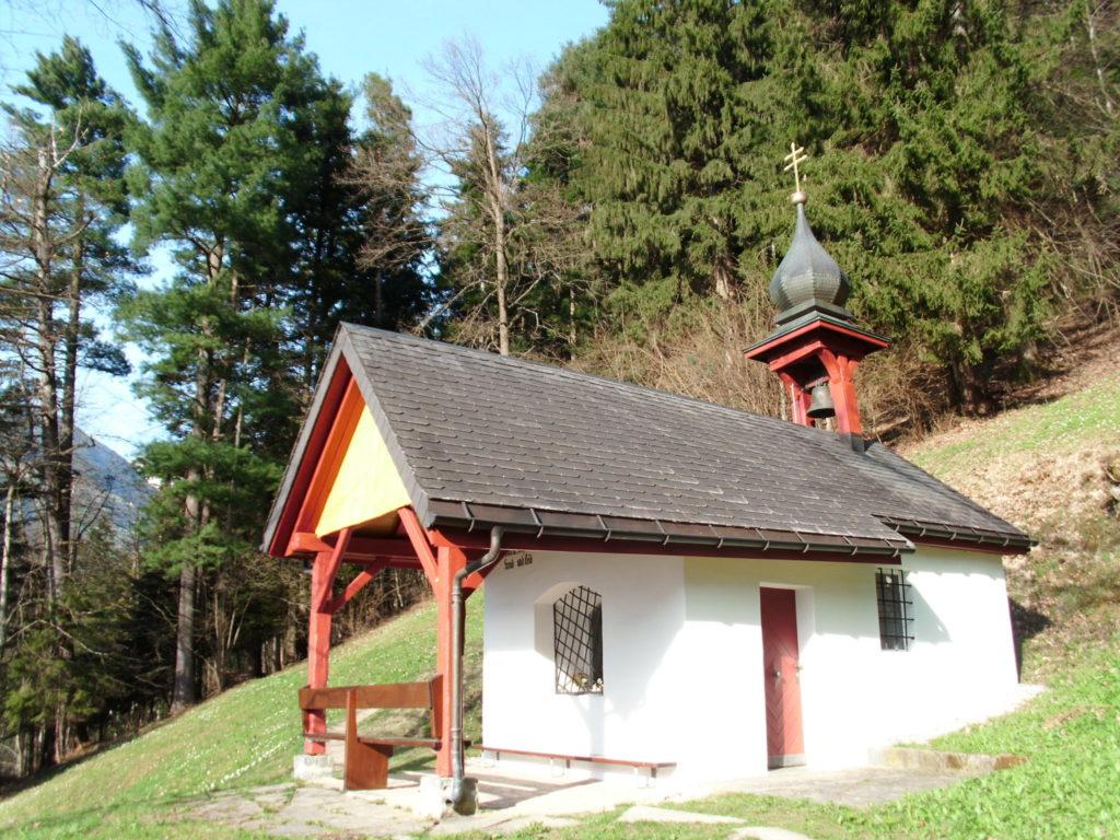 Die Kapelle Maria Hilf liegt mitten im Wald.