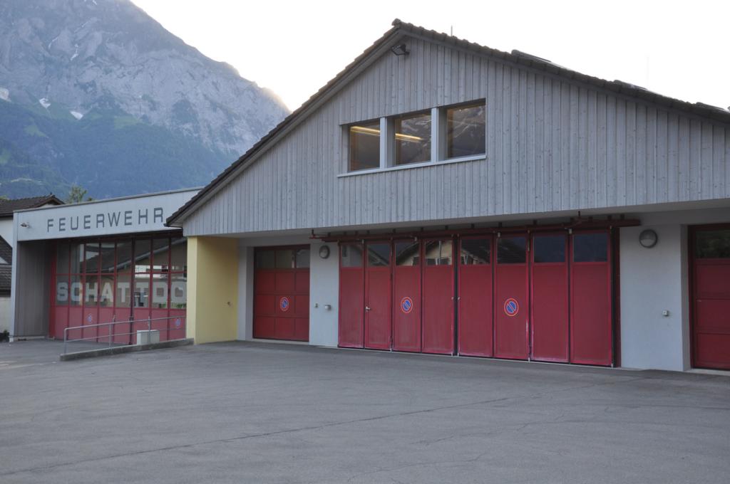 Feuerwehrlokal mit Alt- und Neubau