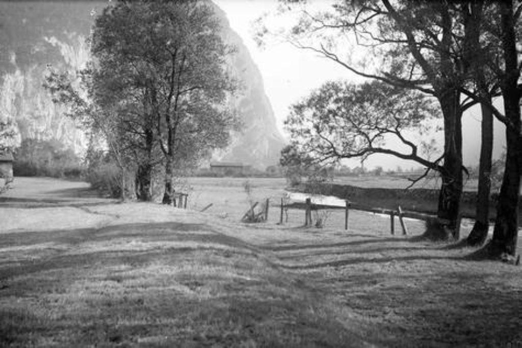 Gebiet im Rynächt, das von der Stillen Reuss durchflossen wird – Aufnahme um 1898.